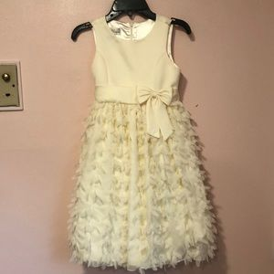 Other - Girls' off white gorgeous dress